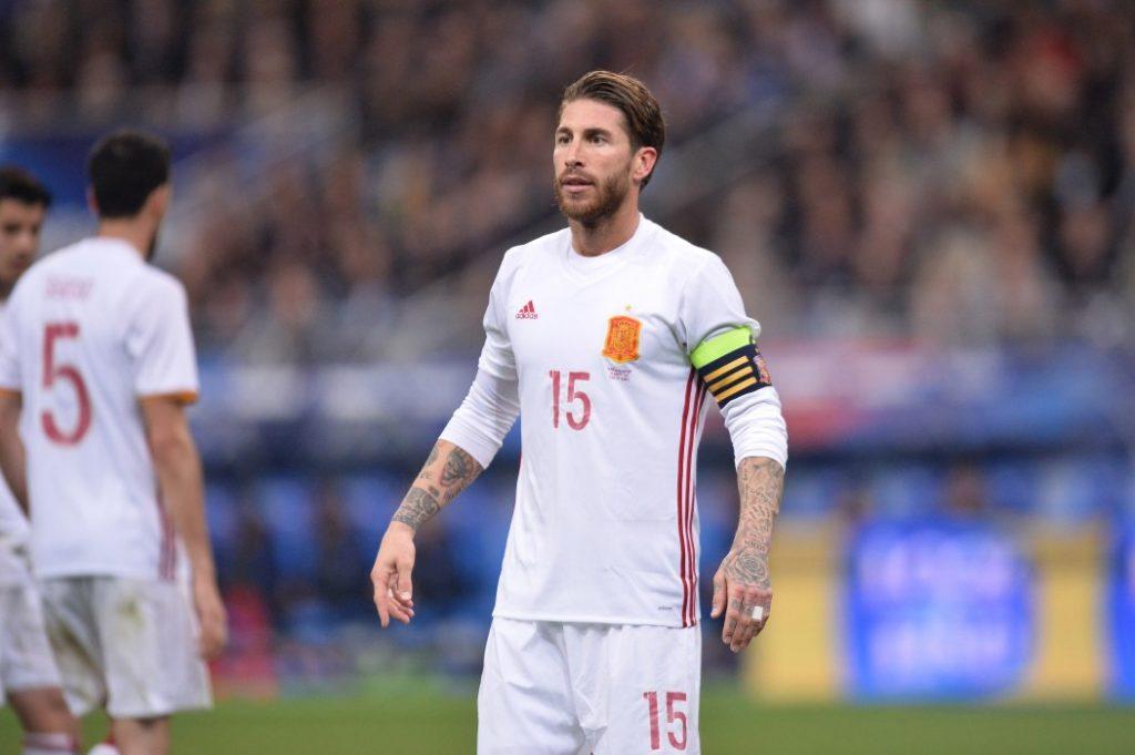 Испания - Англия прогноз 15 октября